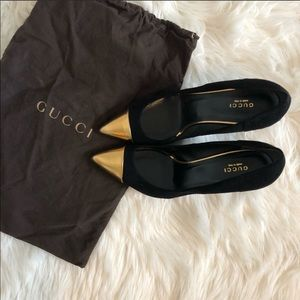 GUCCI Black Suede Gold Cap Toe Pumps • Authentic